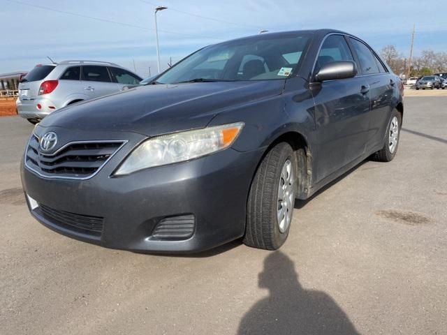 2011 Toyota Camry LE [2]