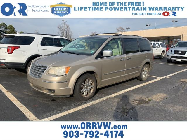2008 Chrysler Town & Country Limited [1]