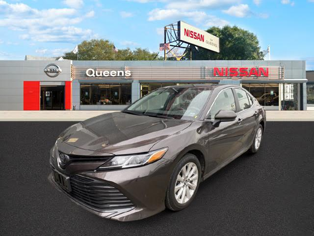 2019 Toyota Camry LE [0]