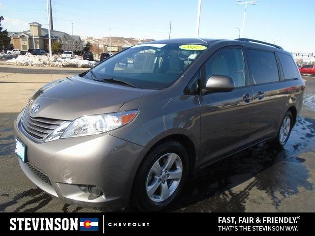 2017 Toyota Sienna LE for sale in Lakewood, CO