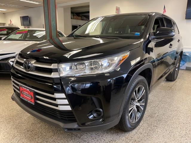 2017 Toyota Highlander LE [0]