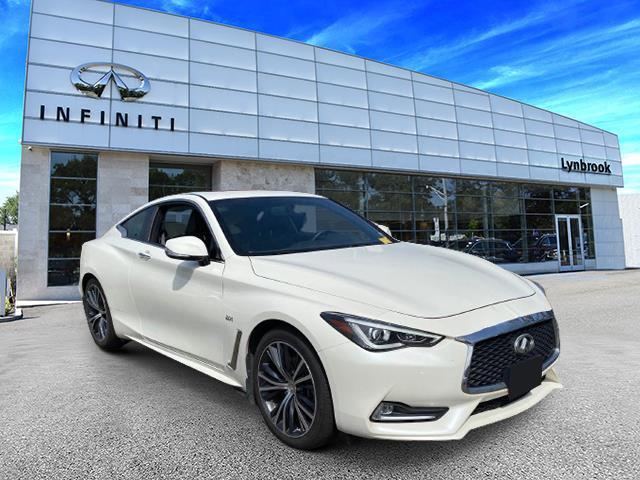 2017 INFINITI Q60 2.0t Premium [2]
