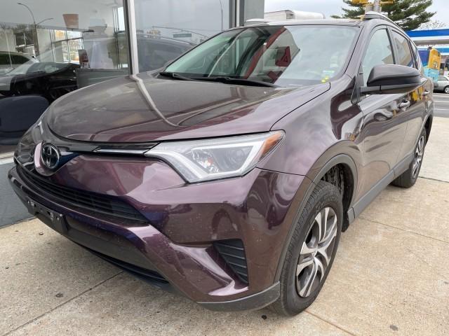 2018 Toyota RAV4 LE [3]