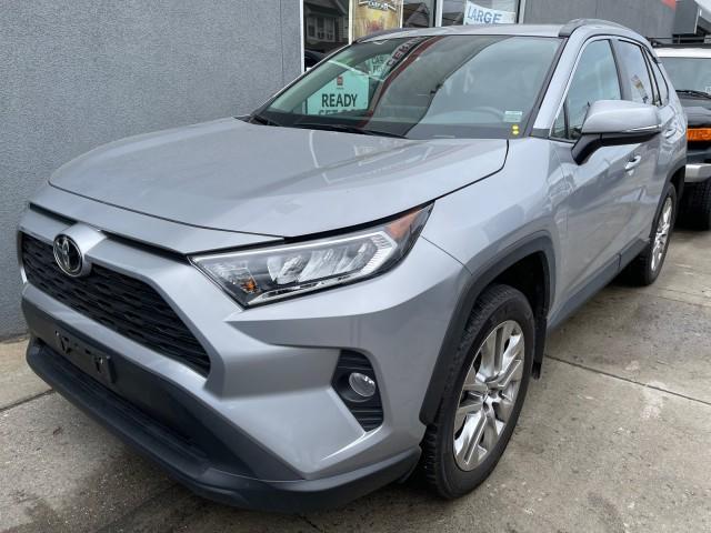 2019 Toyota RAV4 XLE Premium [4]
