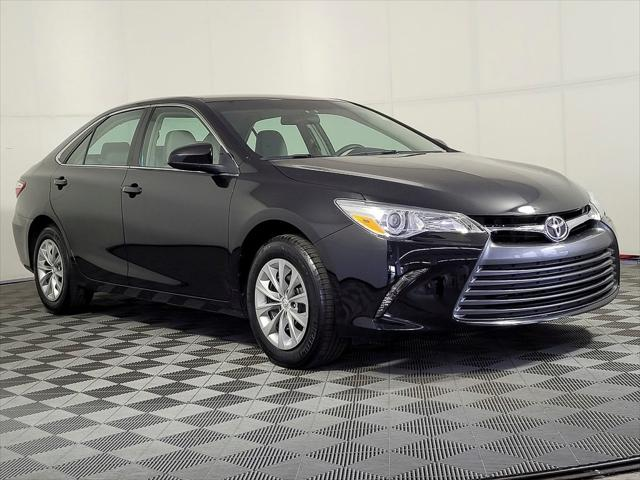 2017 Toyota Camry XLE/SE/LE/XSE for sale in Vienna, VA