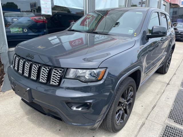2018 Jeep Grand Cherokee Altitude [1]
