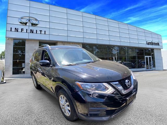 2017 Nissan Rogue SV [1]