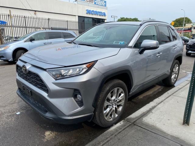 2020 Toyota RAV4 XLE Premium [1]