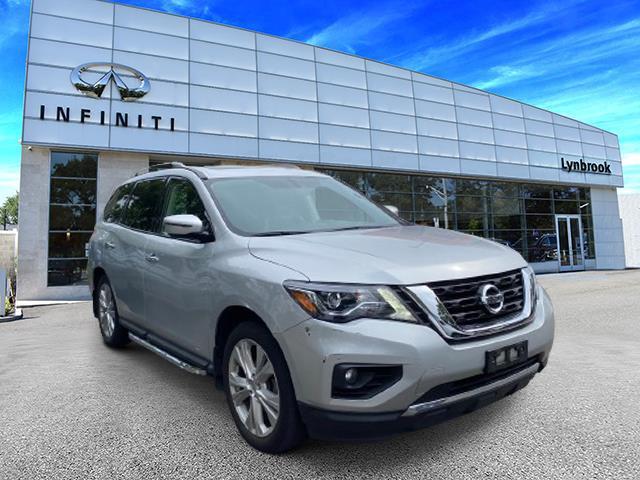 2018 Nissan Pathfinder SL [1]