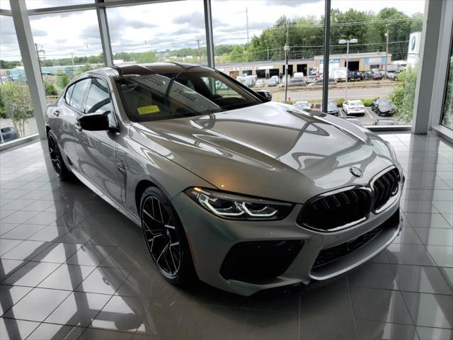 2022 BMW M8