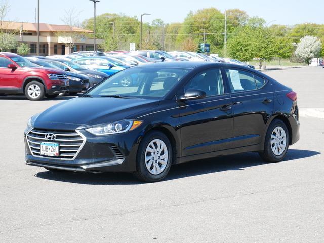2018 Hyundai Elantra SE for sale in MANKATO, MN