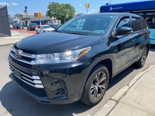 2018 Toyota Highlander LE Plus [0]