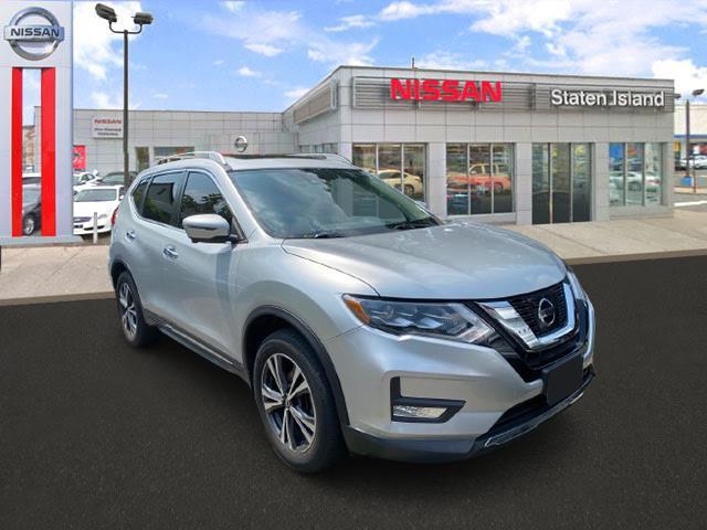 2017 Nissan Rogue SL [2]