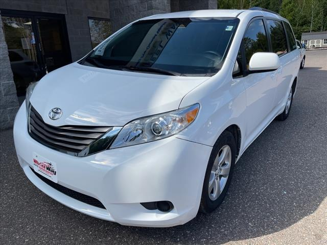 2017 Toyota Sienna LE Auto Access Seat for sale in Fifield, WI