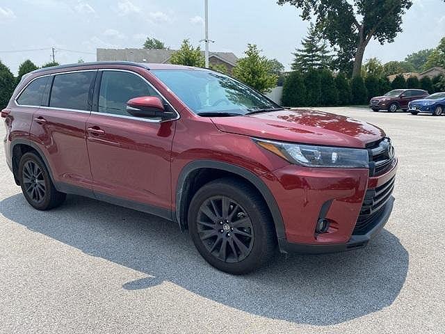 2019 Toyota Highlander SE for sale in Highland, IN