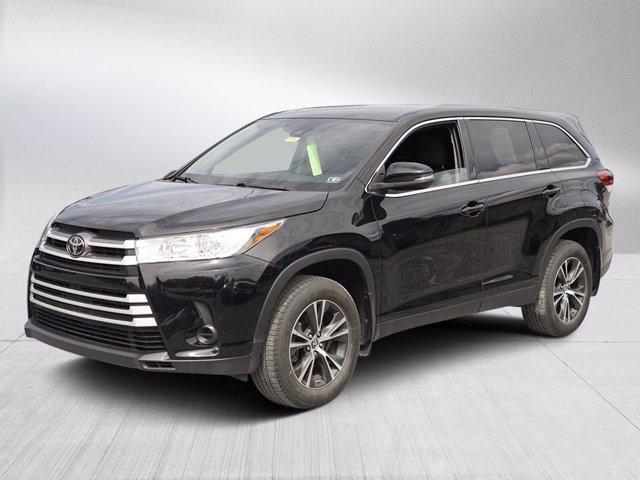 2019 Toyota Highlander LE for sale in Waynesboro, PA