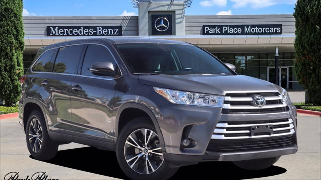 2019 Toyota Highlander LE for sale in Fort Worth, TX