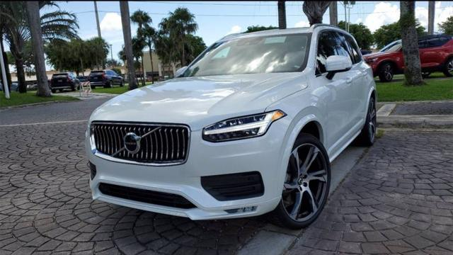 2022 Volvo XC90 Momentum for sale in Miami, FL