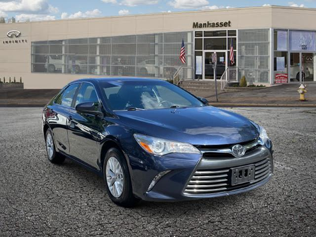 2017 Toyota Camry LE [0]