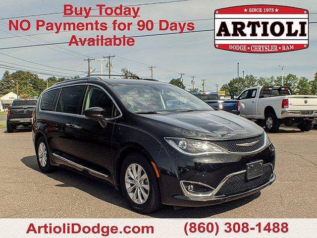 2018 Chrysler Pacifica Touring L for sale in Enfield, CT