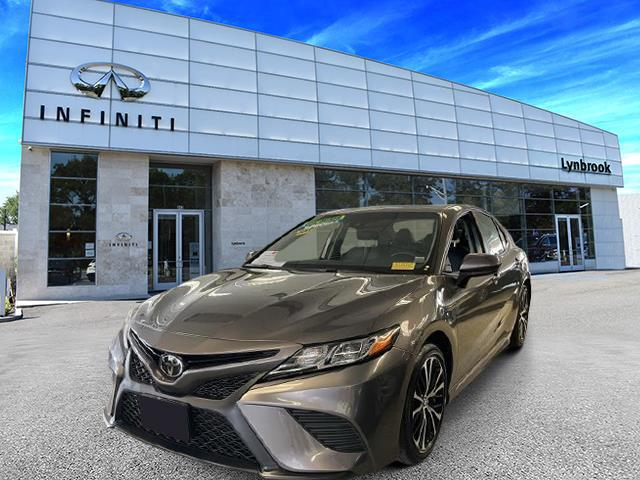 2018 Toyota Camry XLE [1]