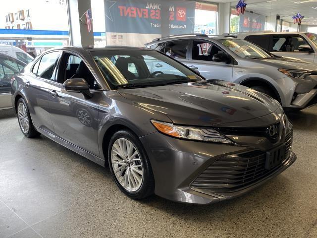 2018 Toyota Camry XLE [9]