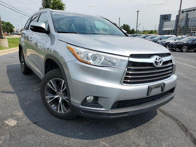 2016 Toyota Highlander XLE for sale in Naperville, IL