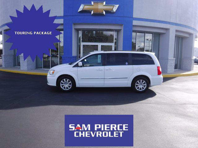 2016 Chrysler Town & Country Touring for sale in Daleville, IN