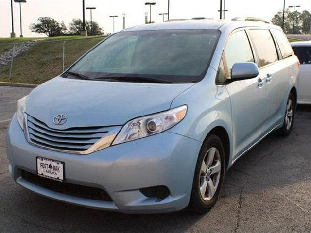 2017 Toyota Sienna LE for sale in Tulsa, OK