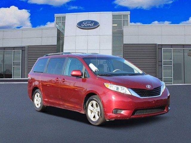 2011 Toyota Sienna LE for sale in Brownsburg, IN