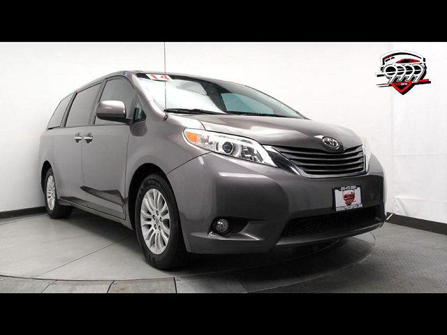 2014 Toyota Sienna XLE for sale in Lakewood, WA