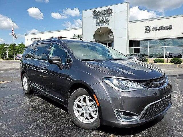 2020 Chrysler Pacifica Touring L for sale in Matteson, IL