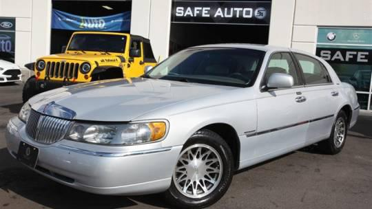 2000 Lincoln Town Car Signature for sale in Chantilly, VA