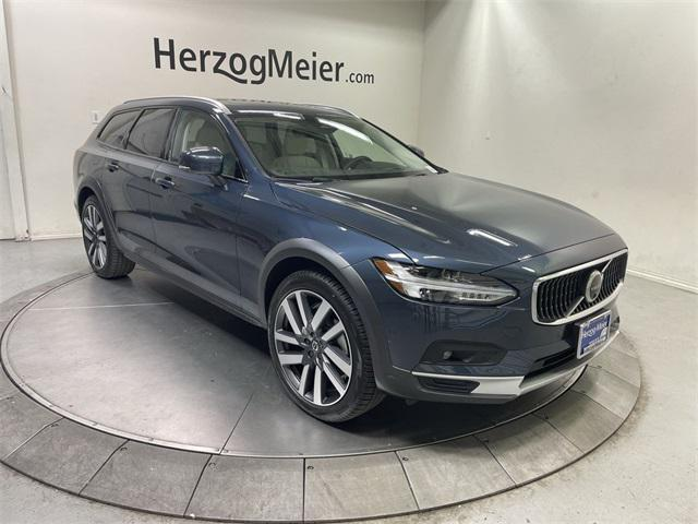 2022 Volvo V90 Cross Country B6 AWD for sale in Beaverton, OR