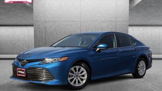 2019 Toyota Camry LE for sale in Libertyville, IL
