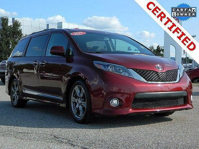 2017 Toyota Sienna SE for sale in Indianapolis, IN