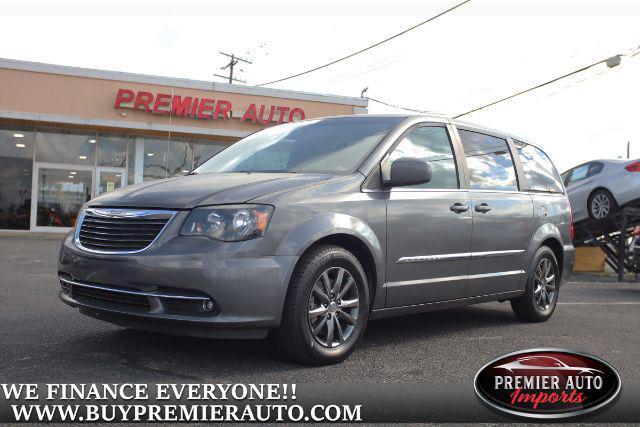 2015 Chrysler Town & Country S for sale in Waldorf, MD