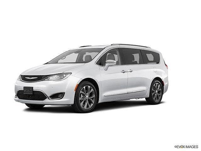 2018 Chrysler Pacifica Limited for sale in Hampshire, IL