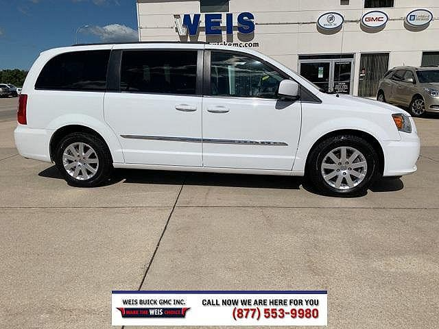 2016 Chrysler Town & Country Touring for sale in Decorah, IA