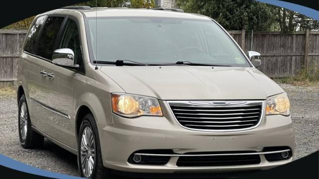 2013 Chrysler Town & Country Touring-L for sale in Alexandria, VA