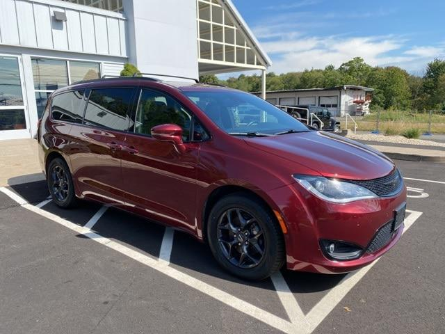 2019 Chrysler Pacifica Limited for sale in Canton, CT