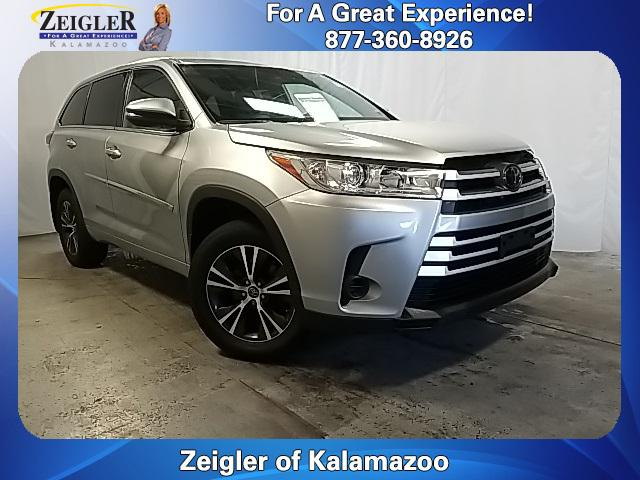 2018 Toyota Highlander LE for sale in Schaumburg, IL