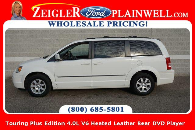 2010 Chrysler Town & Country Touring Plus for sale in Schaumburg, IL