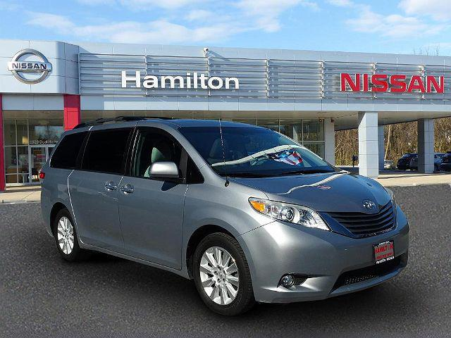 2013 Toyota Sienna XLE for sale in Hagerstown, MD