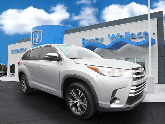 2018 Toyota Highlander LE for sale in Knoxville, TN