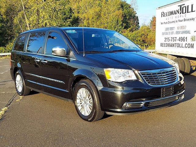 2015 Chrysler Town & Country Touring-L for sale in Langhorne, PA
