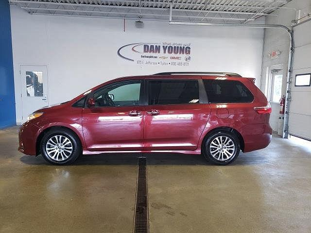 2018 Toyota Sienna XLE for sale in Tipton, IN