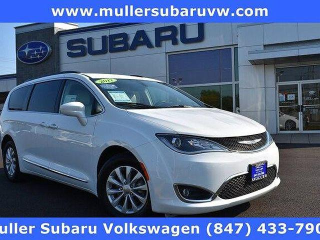 2017 Chrysler Pacifica Touring-L for sale in Highland Park, IL