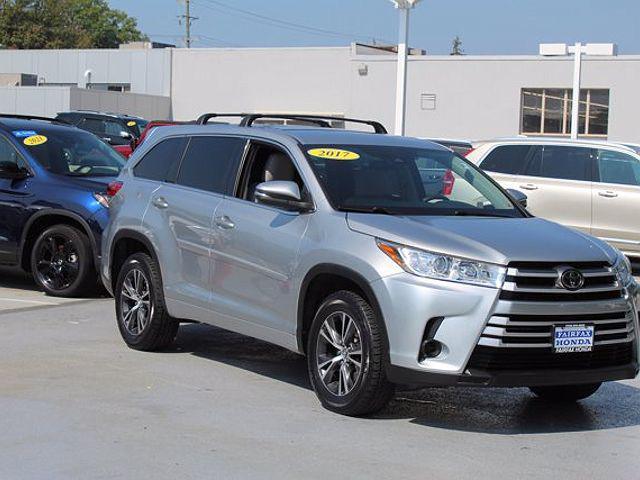 2017 Toyota Highlander LE for sale in Fairfax, VA