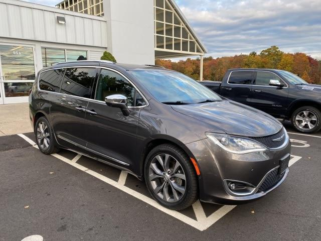 2017 Chrysler Pacifica Limited for sale in Canton, CT